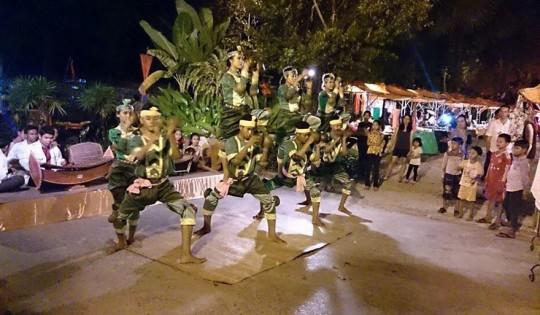 Robam Kandob Ses (Praying Mantis Dance)